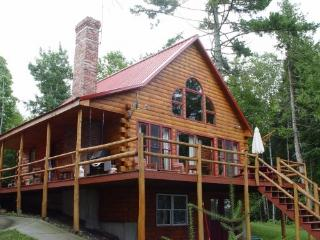 moosehead Lake shore log home w/ hot tub - Greenville vacation rentals