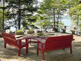 Secluded, waterfront deckhouse with panoramic view - Brunswick vacation rentals