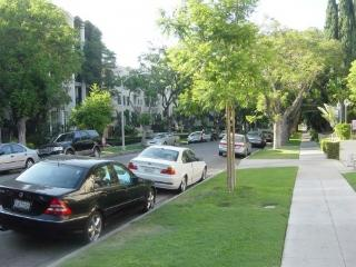 Beverly Hills Walk to Rodeo Dr , up to 6 people - Beverly Hills vacation rentals