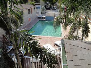2BR Villa by Ocean,Beach,Pier,Brand New pool - Lauderdale by the Sea vacation rentals