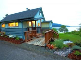 Fairmount Beach House*Private Beach*Propane Frplce - Port Townsend vacation rentals