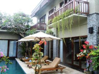 Batubelig Beautiful Villa (3) - Kuta vacation rentals