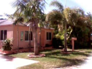House close to beach,miami, Ft. Lauderdale - Hollywood vacation rentals