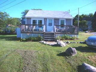 REDUCED! July 4 - July 12 immaculate-Furnished - South Kingstown vacation rentals