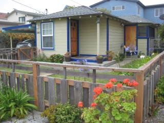 Lovely 2 Bedroom 1 Bath, Walk to the Beach - Morro Bay vacation rentals