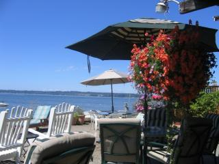 On The Water, 2 Bedroom,  Amazing, Beach House. - Blaine vacation rentals