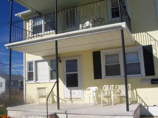 2Br/1bath 2 blocks from the beach (2nd Floor) - New Jersey vacation rentals