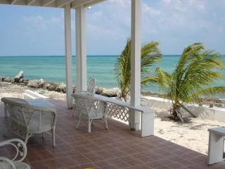 Oceanfront home for rent , spectacular sunsets - Nassau vacation rentals