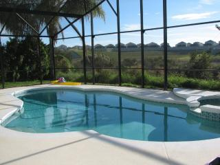 Lakeside pool villa, kissimmee  3 miles disney - Kissimmee vacation rentals