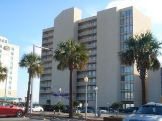 Beautiful2 Bdr/2 Bath Oceanfront Condo. Free WI-FI - Virginia vacation rentals