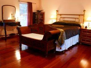 A romantic country cottage,woodstockgetawayhome - Catskills vacation rentals