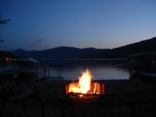 Okanagan lakeshore beachhouse - Vernon vacation rentals