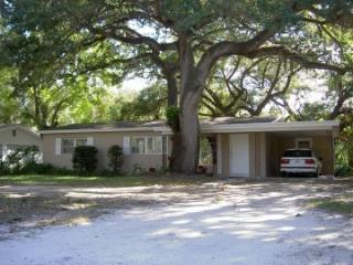 Bargain Quiet Cozy Home under Canopy of Oak Trees - Vero Beach vacation rentals