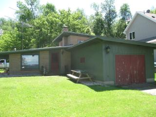 LAKE POYGAN COTTAGE WINNECONNI WISCONSIN - Wisconsin vacation rentals