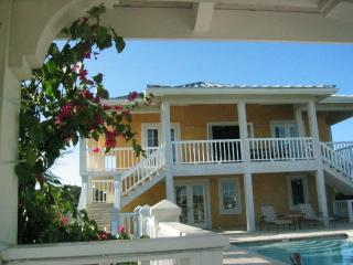 Lovely Limbo Villa in Great Turtle Cove Location - Providenciales vacation rentals