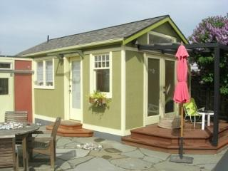 Private garden cottage with hot tub in Seattle! - Seattle vacation rentals