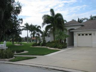 Golf Course Home, 4 Bedroom, Screened Patio & Pool - Palmetto vacation rentals