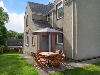 QUARRY BANK, WiFi, pets welcome, tradtional cottage near Benllech, Ref. 914609 - Island of Anglesey vacation rentals