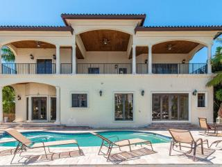 Mini Mansion Fort Lauderdale Across from Beach! - Lighthouse Point vacation rentals