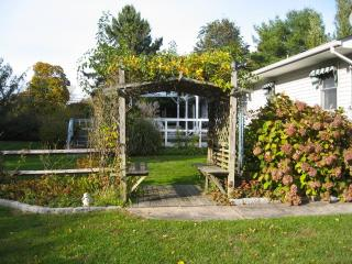 Gorgeous garden; home on 1/2 acre close to beaches - Greenport vacation rentals