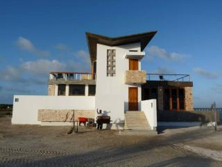 Luxurious Rock-Star Belize Vacation Villa - Belize Cayes vacation rentals