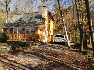 Arrowhead Lake Vacation Rental - Pocono Lake vacation rentals