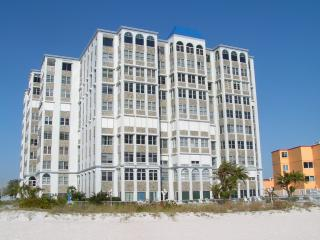 GULF FRONT 5TH FLOOR CONDO - Saint Pete Beach vacation rentals