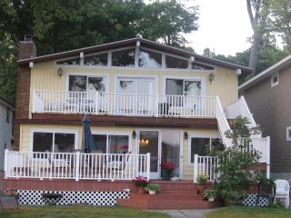 Paw Paw Lake Cabin - Coloma vacation rentals