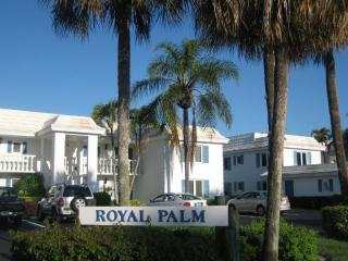 Great North Naples LOCATION, WARM  BEACHES - Naples vacation rentals