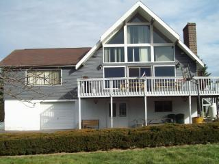 Beautiful LakeView Chalet w/Gameroom & Canoe - Jim Thorpe vacation rentals