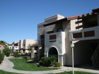 Great 2 Bdrm Glendale Condo - Glendale vacation rentals