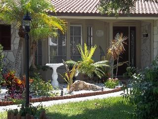 Pool home!Delightful & beautifully decorated! - Sarasota vacation rentals