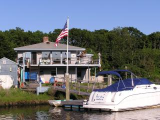 Waterfront with dock, 4 bedrooms 3 full baths. - East Falmouth vacation rentals