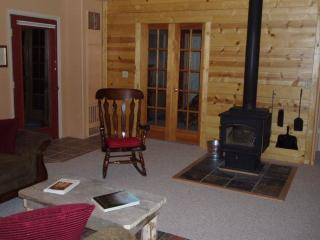 Evregreen's Fawn Trail Wilderness Cottage - Evergreen vacation rentals