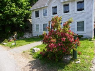 Beautiful Colonial Home Quiet Location Near Water - North Shore Massachusetts - Cape Ann vacation rentals