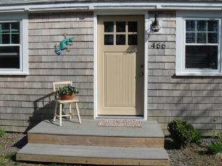 Remodeled cottage 4/10th mile to beach - Centerville vacation rentals