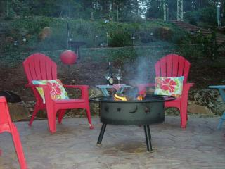 Sierra Foothills Pine Acre Apartment - Gold Country vacation rentals