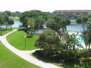 BEAUTIFUL APARTMENT WITH A GREAT VIEW - Delray Beach vacation rentals