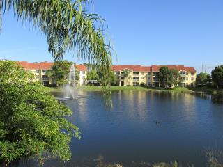Gorgeous Lakeview Condo Close to Beach in Naples - Naples vacation rentals