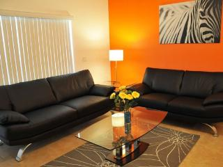 Modern 3 Bedroom Condo only 2 Miles to Walt Disney - Kissimmee vacation rentals