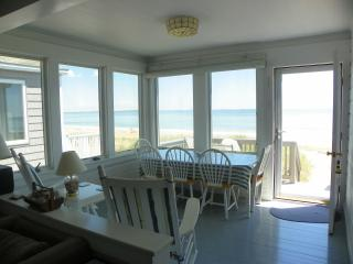 Charming Ocean Front Cottage on Maine Sandy Beach - Southern Coast vacation rentals