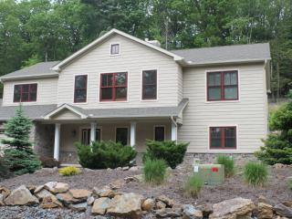 Big Boulder - Laurelwoods Luxury Lake/Ski House - Lake Harmony vacation rentals