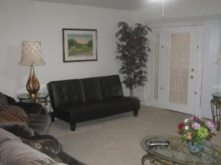 BOOK THIS MONTHLY RENTAL NOW & SAVE - Henderson vacation rentals