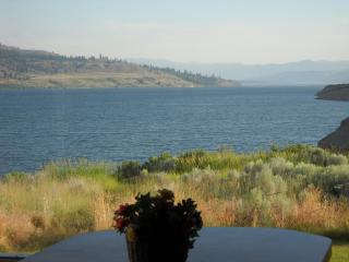 Lake House on the edge of Lake Roosevelt - Lake Roosevelt vacation rentals