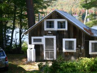 COZY LAKESIDE CABIN IN NORTHERN VERMONT - Northeast Kingdom vacation rentals