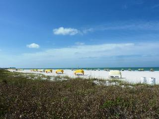 Sunset Beach Condo- Walk to Beach! - Treasure Island vacation rentals