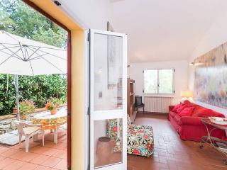 Small villa immersed in the quite of a private magnificent Italian park - Greve in Chianti vacation rentals