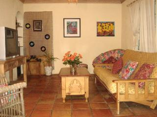 3 Bedroom Spacious Cottage, 2 Patios, Garden - Nassau vacation rentals