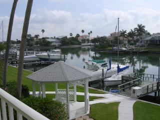 Luxury Waterfront minutes to beaches and shopping! - Tierra Verde vacation rentals