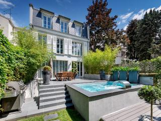***LUXURIOUS 4 BED PENTHOUSE APT WITH GARDEN*** - Ile-de-France (Paris Region) vacation rentals